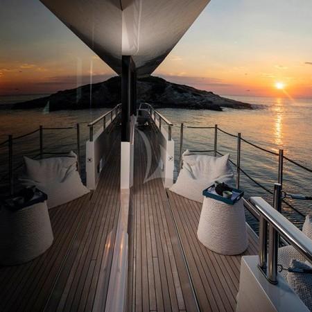 Dinaia yacht charter Greece