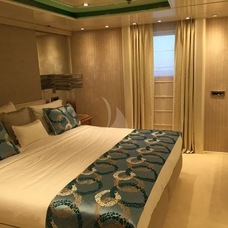 elegant 007 super yacht