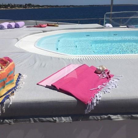 elegant 007 super yacht charter