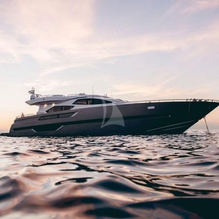 eleven i yacht
