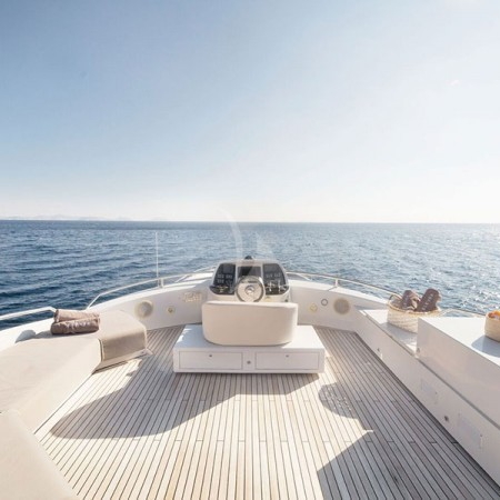 eleven I yacht deck