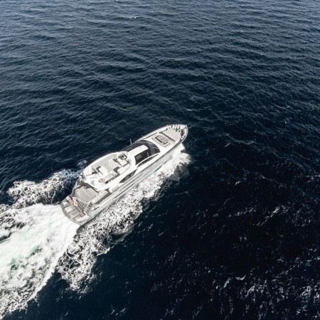 eleven I yacht charter