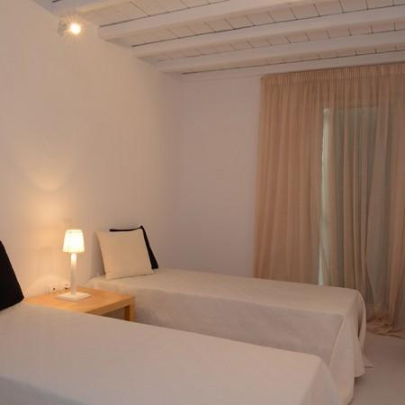 elia retreat bedroom single beds