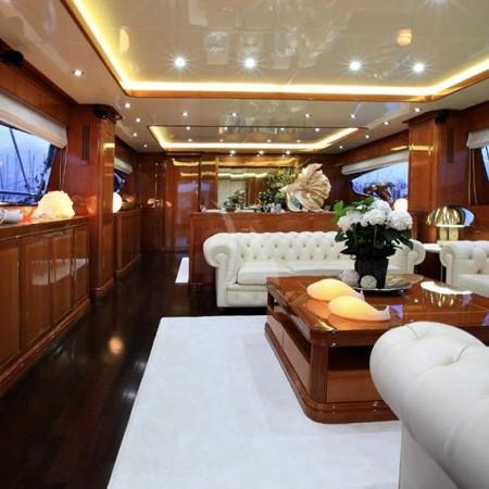 elvi yacht main salon