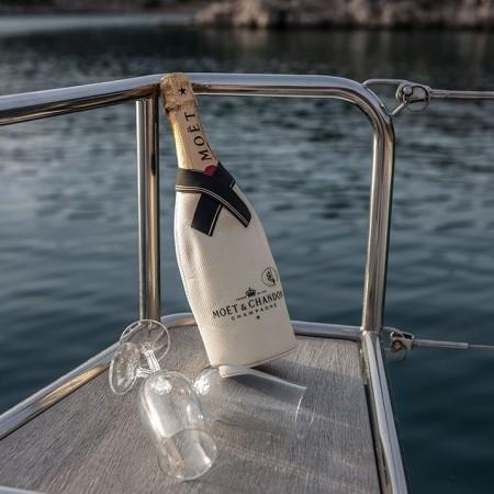 catamaran rental Greece