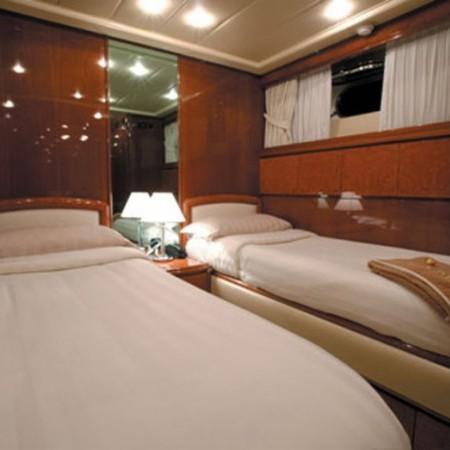 falcon yacht 100 ft twin cabin