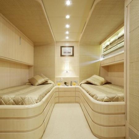glaros yacht twin cabin