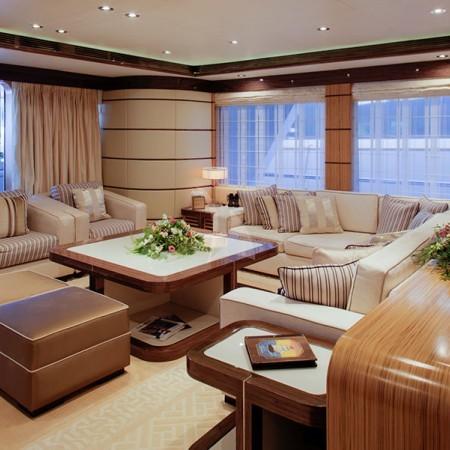 I Sea yacht main living area