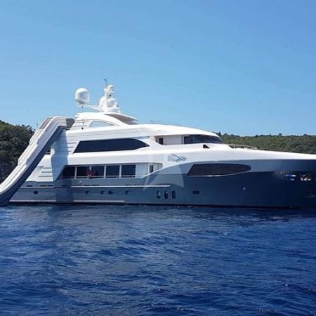 I Sea yacht charter