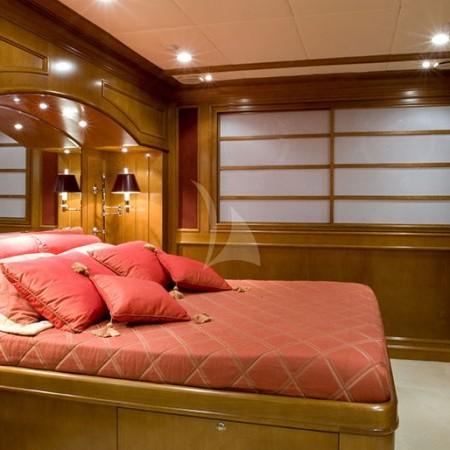 insignia yacht cabin