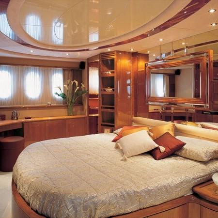 master cabin Azimut 75 Iris