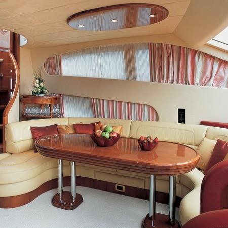 Azimut 75 yacht dining