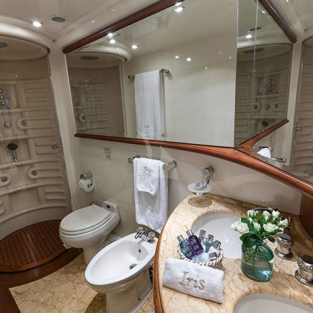 iris yacht charter Greece