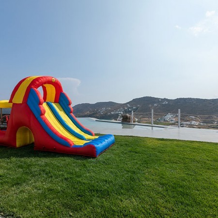 toys and fun at the exterior of villas Isola Bella