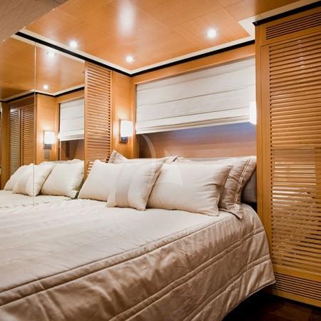 Ithaki yacht cabin