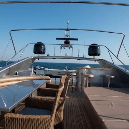 Johnny Handsome Yacht flybridge