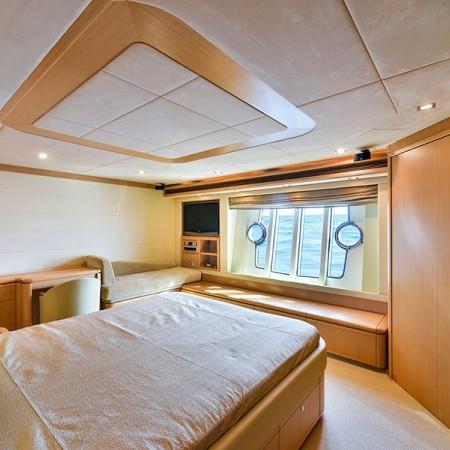 Ferretti 83 Master Cabin
