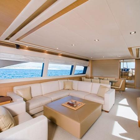 Ferretti 83 Yacht Salon