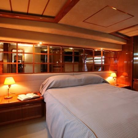 ferretti master cabin
