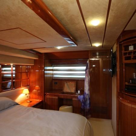 master cabin kentavros yacht