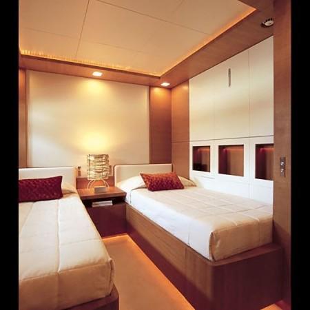 kintaro yacht cabin