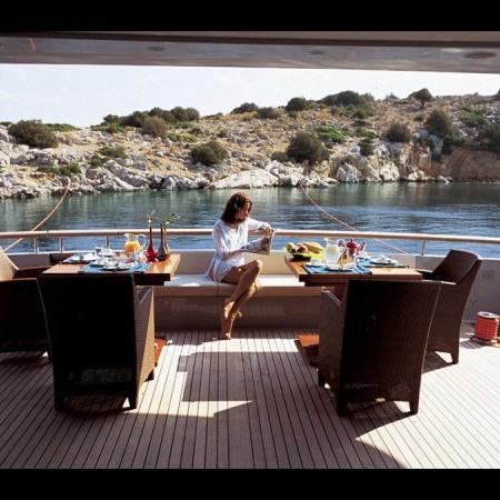 kintaro yacht charter