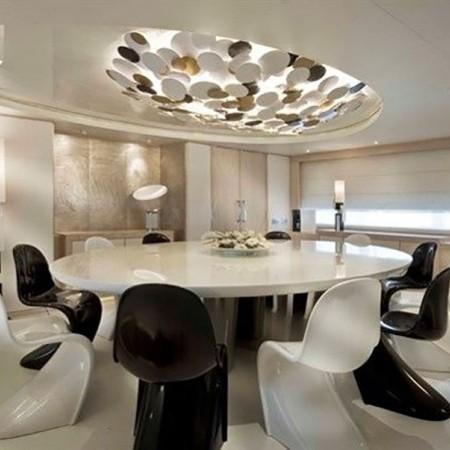 light holic mega yacht