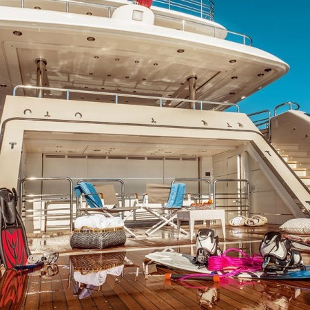 light holic super yacht