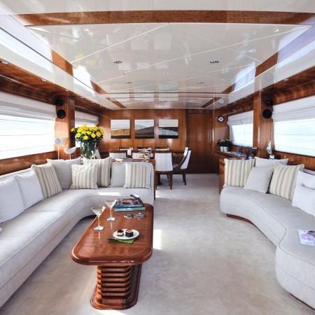 Blu Sky Yacht salon