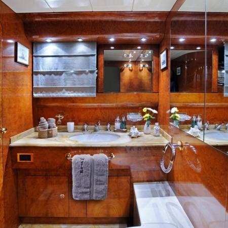 Blu Sky Yacht bathroom