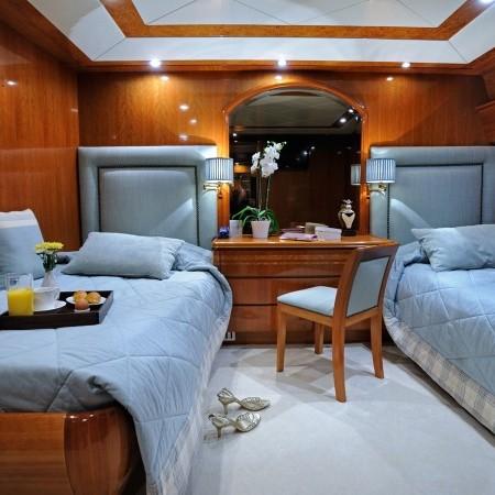 twin beds Blu Sky Yacht