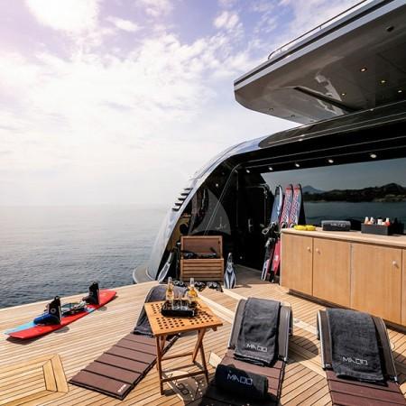 Mado Yacht swim platform
