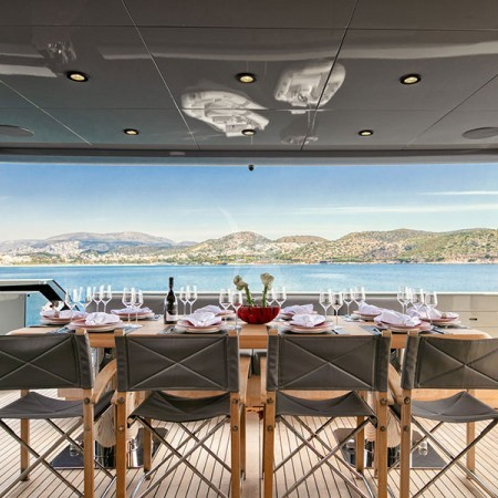 Mado Yacht deck dining