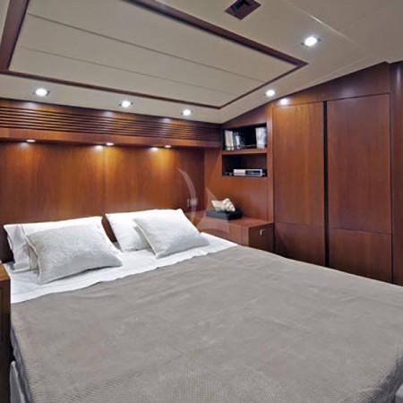 marnaya yacht cabin