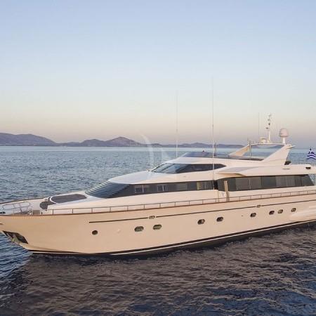 Martina falcon 100 yacht