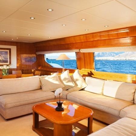 dilias yacht salon