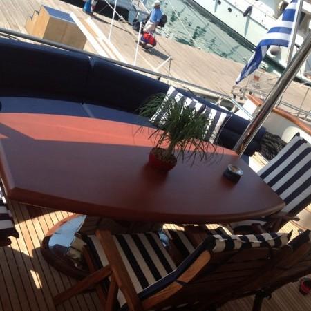 dream b deck sitting area