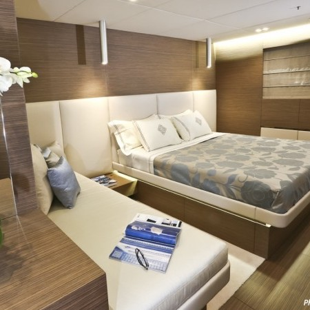 ouranos yacht double cabin