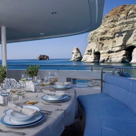 luxury yacht dining