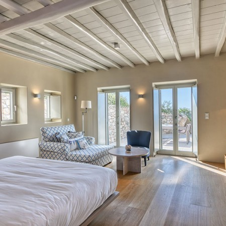 luxurious bed room suite at the estate