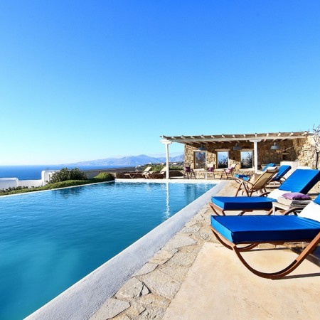 Mykonos villa shared pool