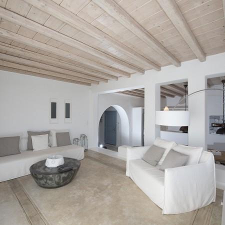 villa Alivia living room