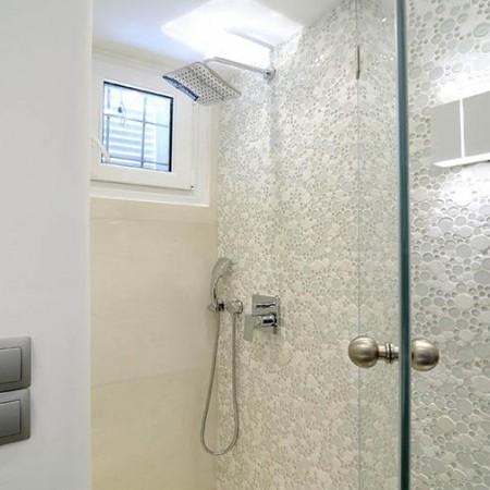 Villa Ariel shower