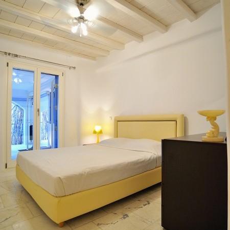 Villa Artemis double bedroom