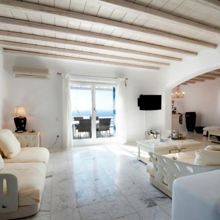 villa Artemis living area