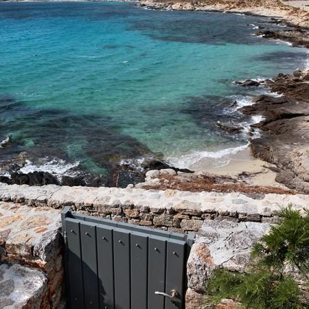 Mykonos villa with private beach