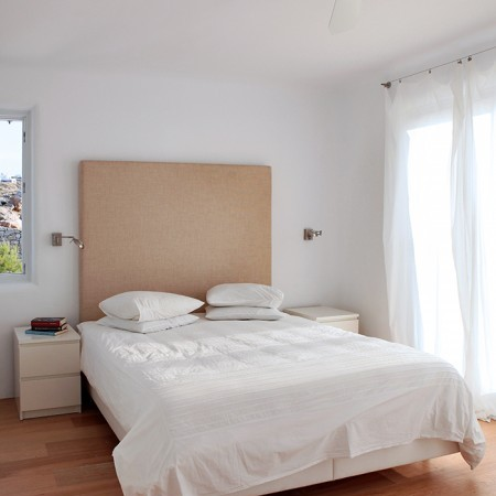 master bedroom at Villa Asante
