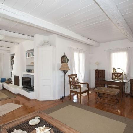 villa bellevue living area