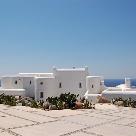 villa cyan entrance