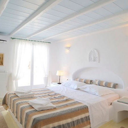 double bedroom at villa Dalia
